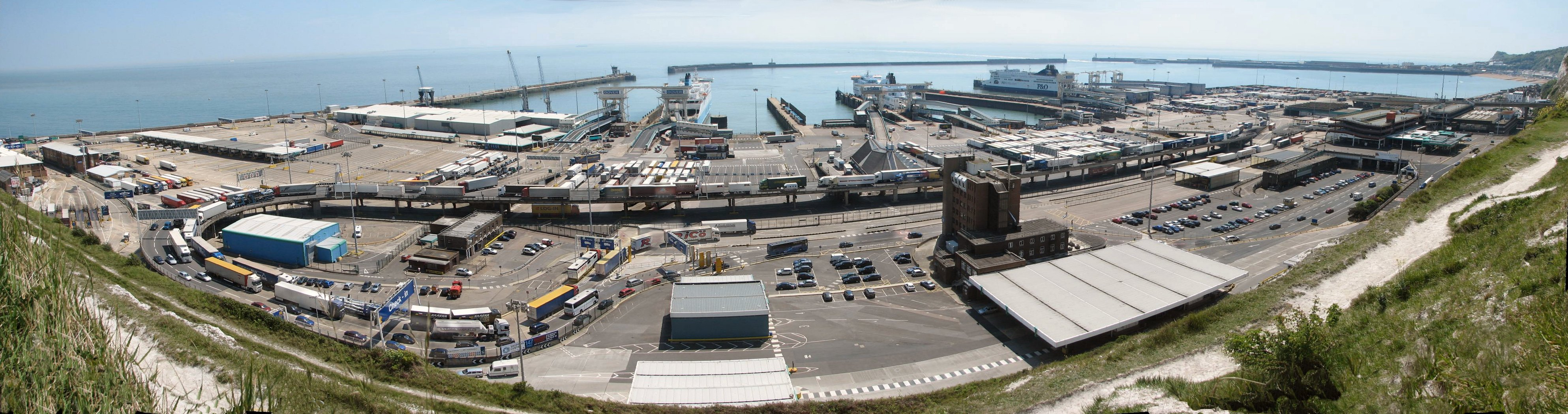 Dover_Harbour_panorama
